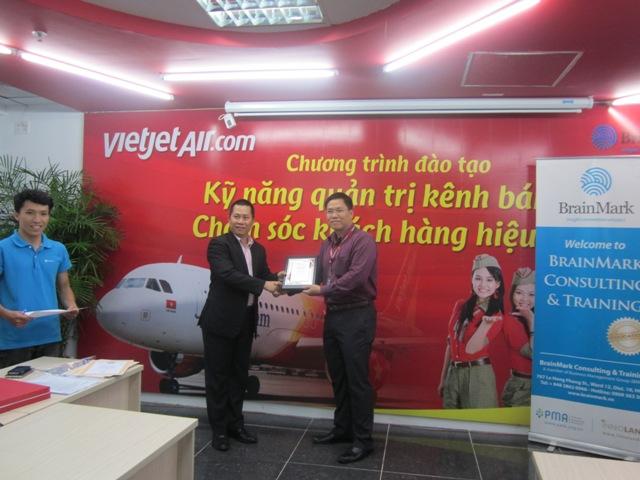 Đào tạo nâng cao Kỹ năng quản trị bán hàng cho Công ty CP Hàng không VietJet