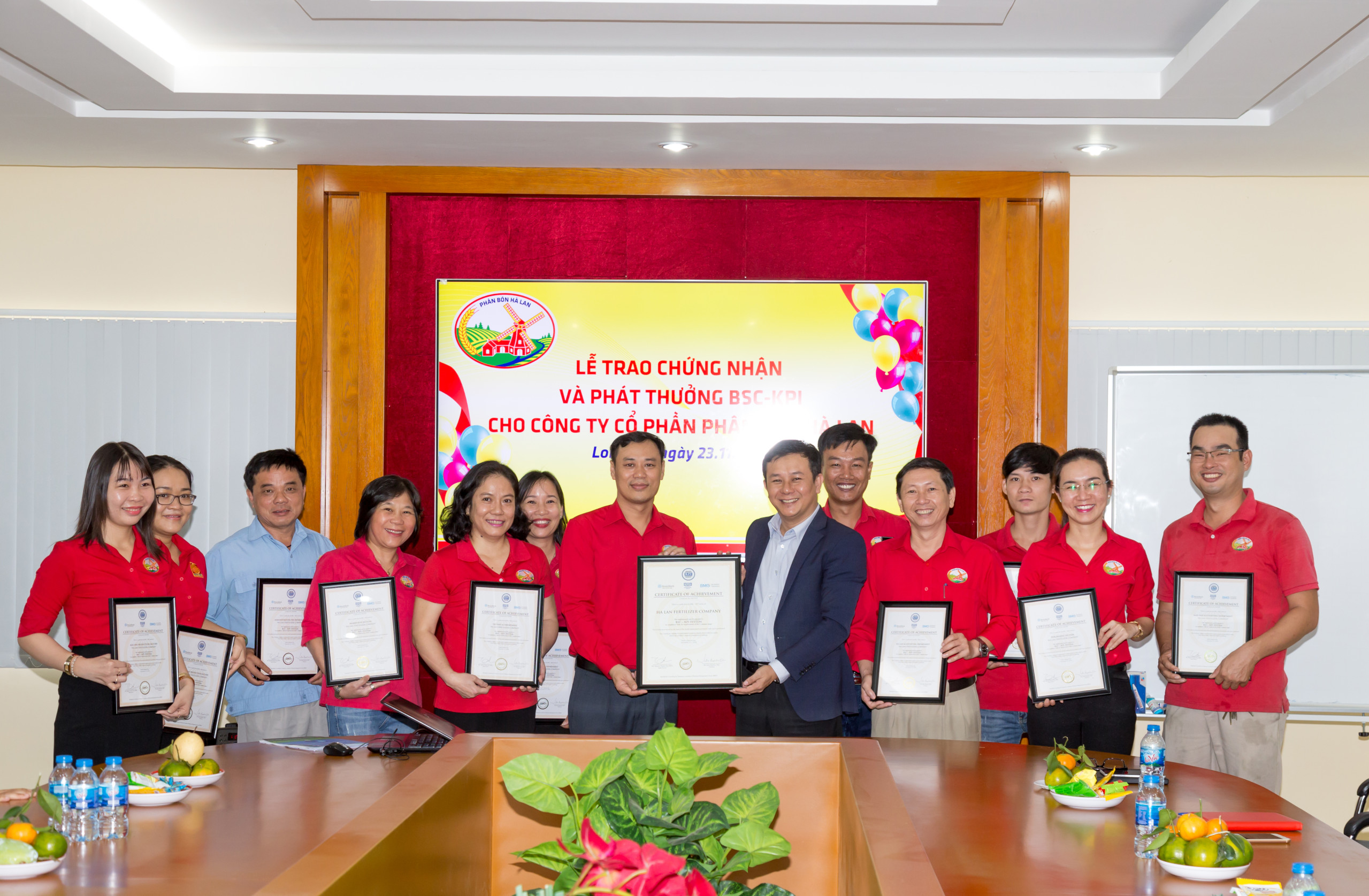 BrainMark awarded the US KPI certificates for Ha Lan Fertilizer Company